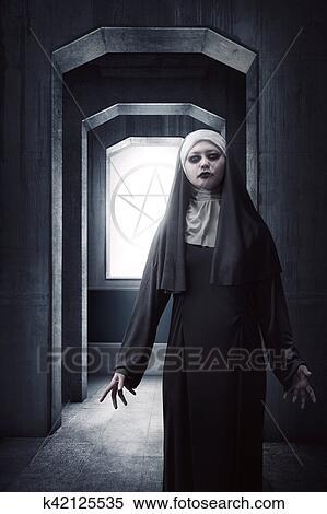 Nonne blätten auf