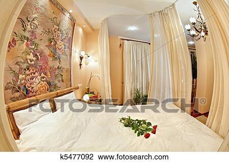 Banque De Photo Style Médiéval Chambre à Coucher à Lit - Lit a baldaquin moyen age