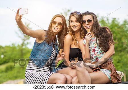 Hübsche frau selfie
