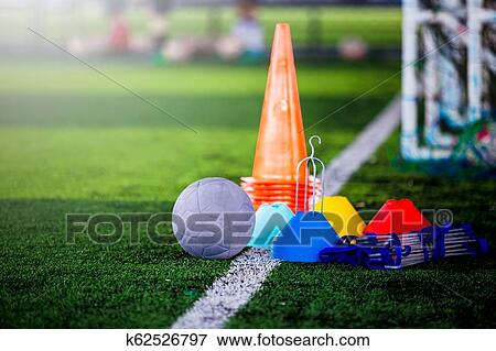 Football Und Fussballtraining Ausrustung Auf Grun