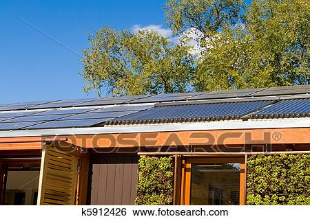 Stock Bilder - dach, haus, eigenheim, solarmodul, heißes wasser ...