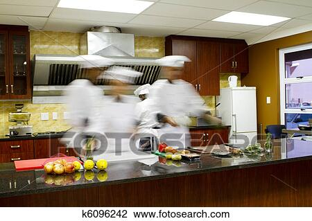 Stock Foto - chefs, kochende, in, kueche k6096242 - Suche ...
