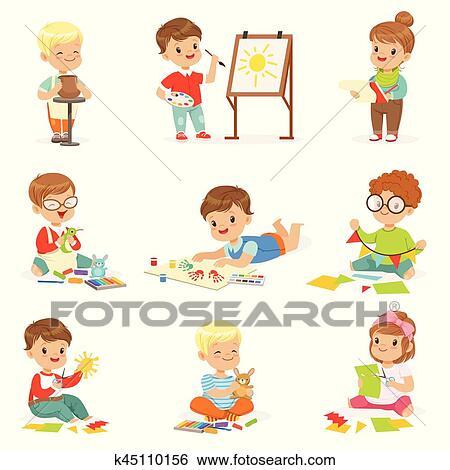 Clip Art - poco, niños, en, clase de arte, en, escuela, hacer ...