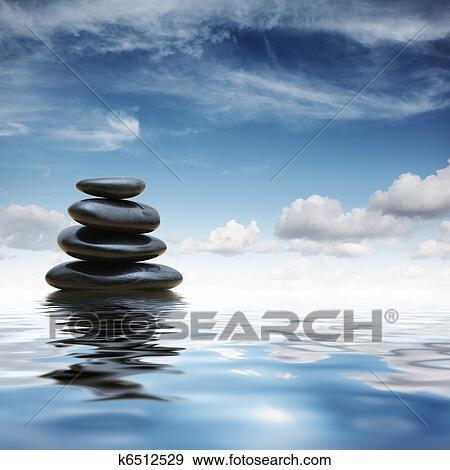 Zen Steine In Wasser Stock Foto K6512529 Fotosearch