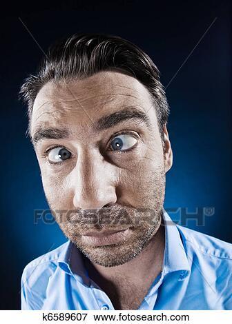 الرجل صورة أحول العينين ألبوم الصور K6589607 Fotosearch