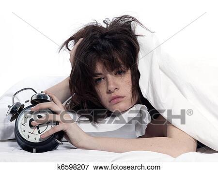 Femme Au Reveil image - femme, dans lit, réveil k6598207 - recherchez des photos