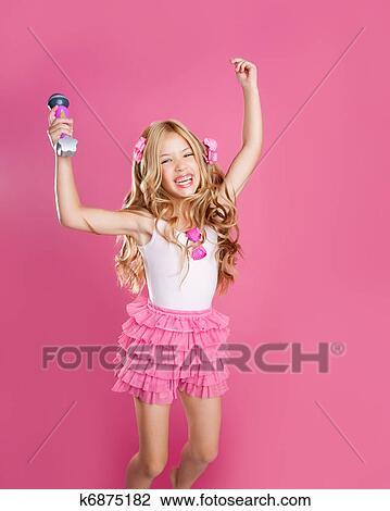659eeda6260 Αποθήκη Φωτογραφίας - παιδιά, μικρός, αστέρι, τραγουδιστής, αρέσω, μόδα,  κούκλα