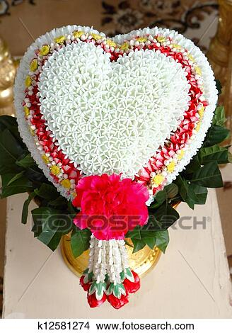 Banque De Photo Thai Fleur Forme Coeur Guirlande K12581274