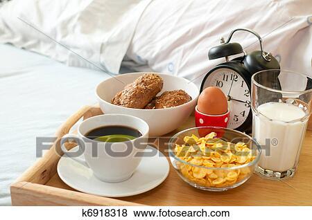 Bilder Fruhstuck Bett K6918318 Suche Stockfotos Bilder Print