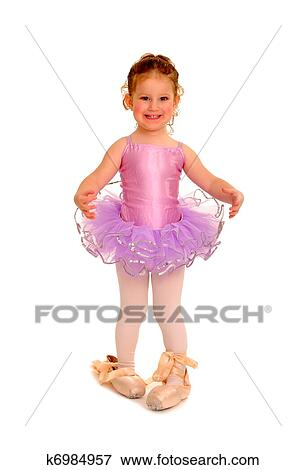 picture of little girl ballerina in pointe shoes k6984957 search