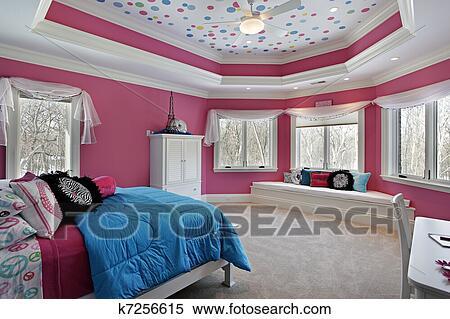 Camera Letto Rosa : Archivio immagini ragazza camera letto con rosa pareti