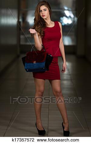 Robe noir talon rouge