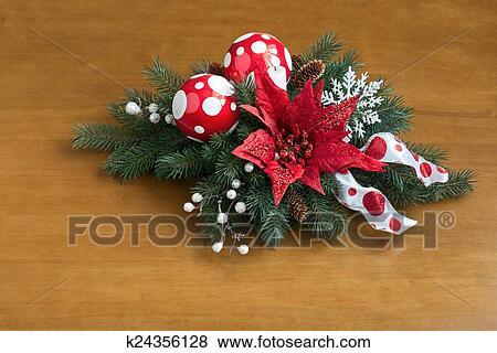 Stella Di Natale Legno.Composizione Da Stella Di Natale Pianta Con Abete Rosso Rami Su Legno Archivio Fotografico