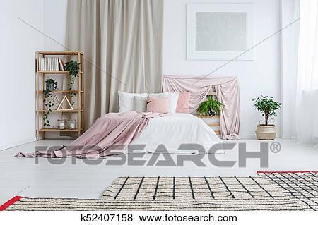 Blanc, Et, Rose, Bedsheets, Sur, King Size, Lit, Dans, Pastel, Chambre à  Coucher, à, Tissus, Usines, Et, Tapis