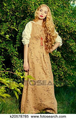 Old-Fashioned Dresses for Women