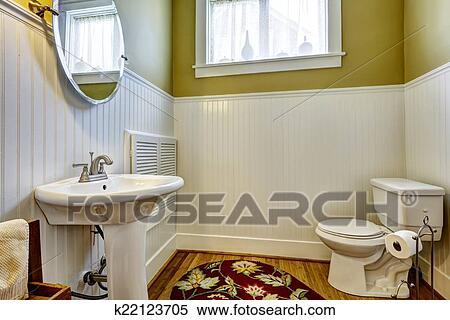 Bagno Beige E Bianco : Archivio immagini vecchio bagno interno con parete verde e