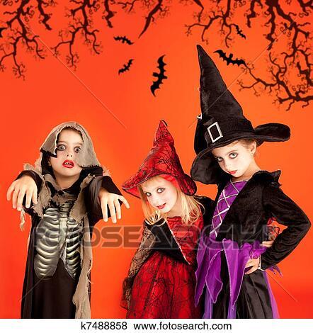 Halloween Gruppo.Halloween Gruppo Bambini Ragazze Costumi Archivio Fotografico