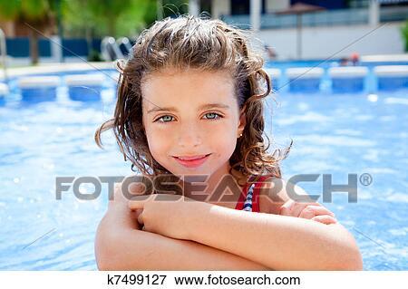 c7622aa4d Feliz, niño, muchacha que sonríe, en, piscina Colección de foto ...