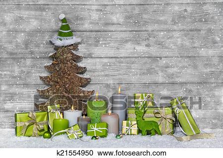 Weihnachtsdeko In Grün.Schäbig Schick Grün Weiß Weihnachtsdeko Auf Grauer Hölzern Stock Bild