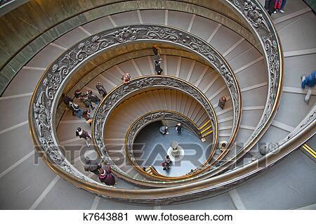 Banques de photographies vieux spirale escalier for Escalier spirale