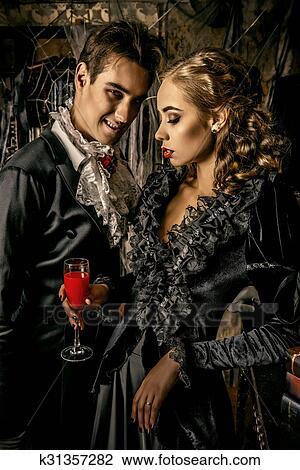 Famiglia di vampiri archivio immagini k31357282 fotosearch