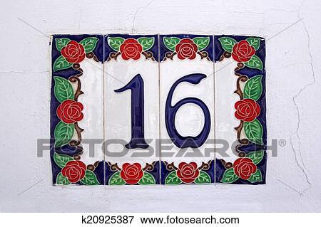 Spanish Street Number 16