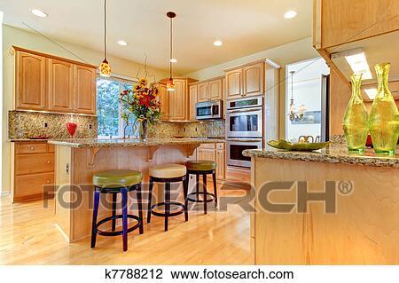 Grande lusso acero legno cucina con isola e sgabelli