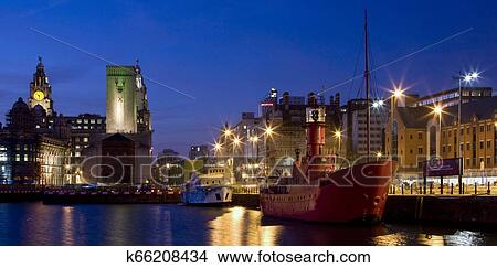Cidade De Liverpool Merseyside Inglaterra Foto K66208434 Fotosearch