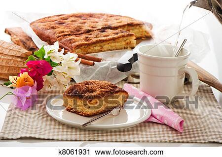 Stock Fotografie A Flacher Kuchen Mit Zimt Zucker Butter Und