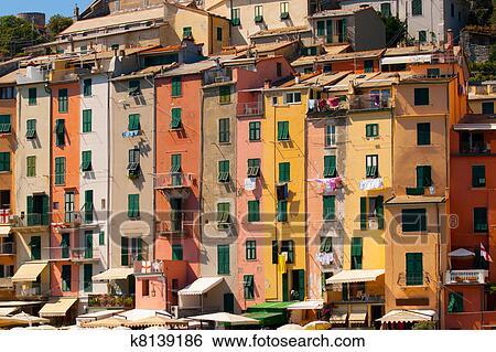 Huizen In Italie : Stock afbeeldingen toerbeurt huizen portovenere italië