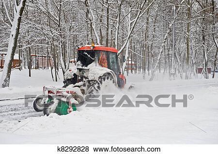 Bilder Klein Traktor Winterdienst Park K8292828 Suche