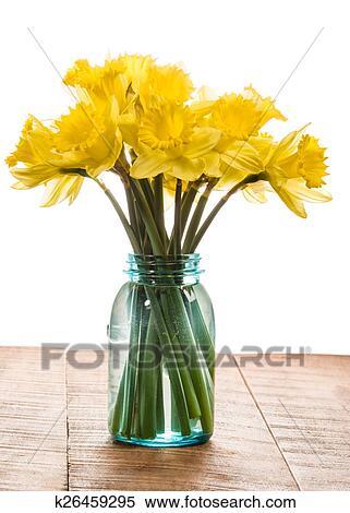 Bouquet De Jaune Jonquille Fleurs Dans A Pot Banque D Image