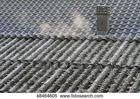 banque d 39 image amiante toit eternit k8464605 recherchez des photos des images des. Black Bedroom Furniture Sets. Home Design Ideas