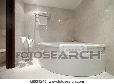 Stock Afbeelding - badkamer, met, hoek, ligbad k8531245 - Zoek Stock ...