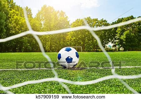 Football Fussball Ball Hinter Dass Tor Netz Auf Feld