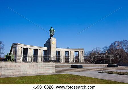 Sovietico Guerra Memorial El Es Uno De Varios Monumentos De Guerra En Berlin Coleccion De Foto
