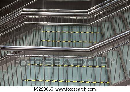 Banque d\'Images - moderne, métallique, escalier k9223656 ...