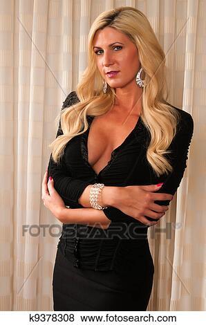 Mature blonde women pics