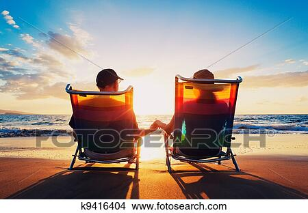 Paar bei Sonnenuntergang Clipart   +1.566.198 Cliparts