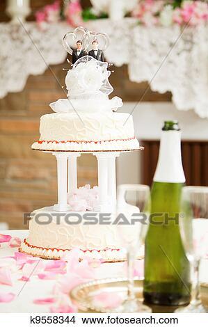 Schwule Hochzeit Hochzeit Kuchen Bild K9558344 Fotosearch