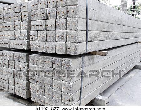 Super Beton, pfosten, haufen, boden Stock Foto | k11021827 | Fotosearch @FN_01