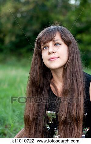 search-a-brunette-teen