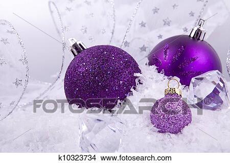 Weihnachtsdeko Lila.Schön Weihnachtsdeko In Lila Und Silber Weiß Schnee Bild