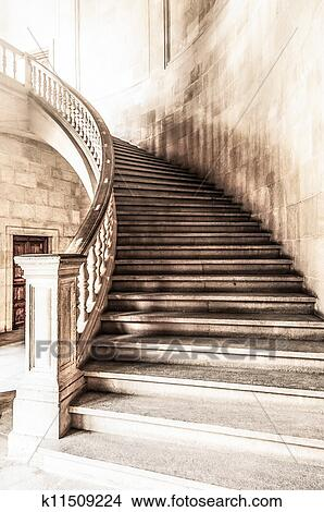 Superieur Marble Winding Staircase With High Solid Handrails In Hall Leading Up.  Vintage And Grunge View Of Wide Ancient Stairway. Interior Of Old  Historical Building ...
