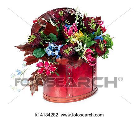 Colorido Extracto Arreglo Floral De Rosas Lirios Irises Y Permisos De Arce En Rojo Carterade Cuero Aislado Blanco Plano De Fondo