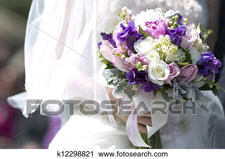 Stock Fotografie Lila Weisse Hochzeit Blumengebinde K12298821