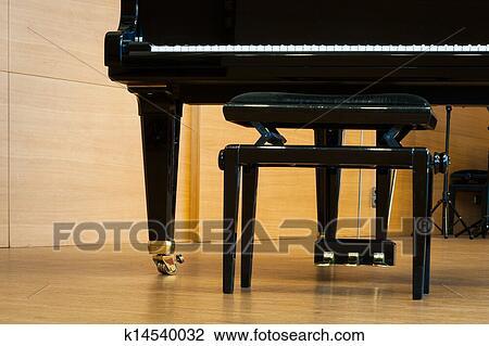 Archivio fotografico parte pianoforte a coda con musica