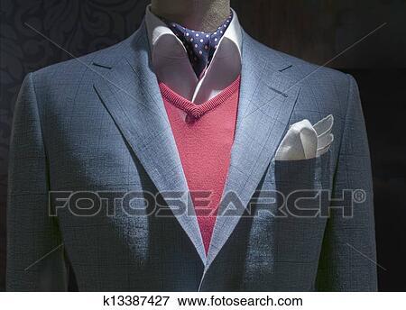 Primo piano, di, uno, leggero blu, checkered, giacca, con, maglione rosso, camicia bianca, blu, punti polca, cravatta, e, bianco, fazzoletto, su,