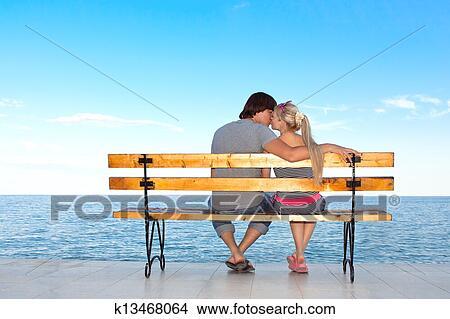 girl kiss girl romantic