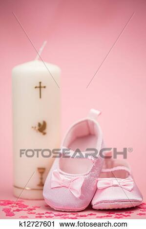 Rosa Bottini Bambino Con Battesimo Candela Archivio Immagini